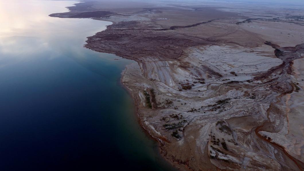 圖/達志影像路透 暖化加速蒸發.水源遭截 死海縮水「瀕危」