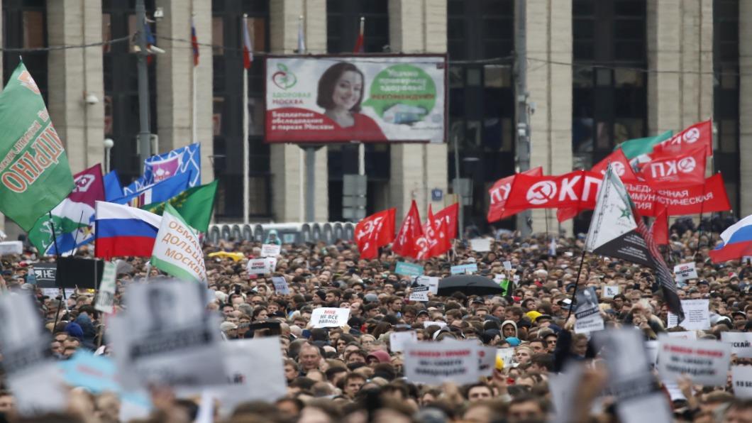 圖/達志影像路透 俄羅斯反政府抗爭達高峰 週六6萬人上街