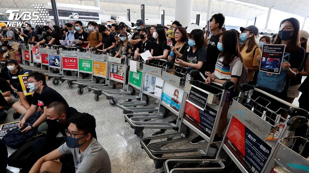 圖/達志影像路透社 香港機場再現示威集會 旅客離境受阻怒火燒