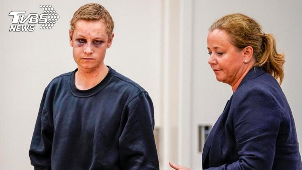挪威清真寺槍擊嫌犯曼夏奧斯〈左〉與他的辯護律師〈右〉。圖/達志影像路透社
