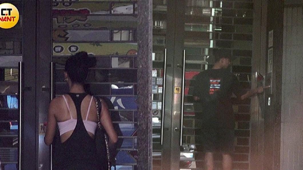 採買完食材,王麗雅便返回住家(左)。 6傍晚王信凱帶著玫瑰花進王麗雅家(右),小倆口共度浪漫七夕夜。圖/CTWANT提供