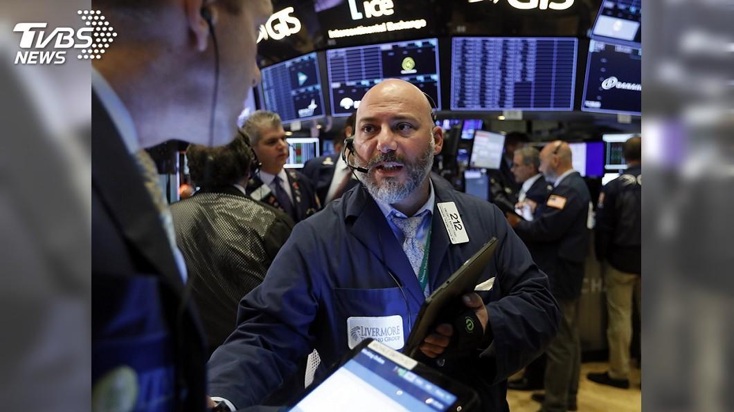 圖/達志影像美聯社 美對中10%關稅延後至12/15 美股三大指數開盤漲