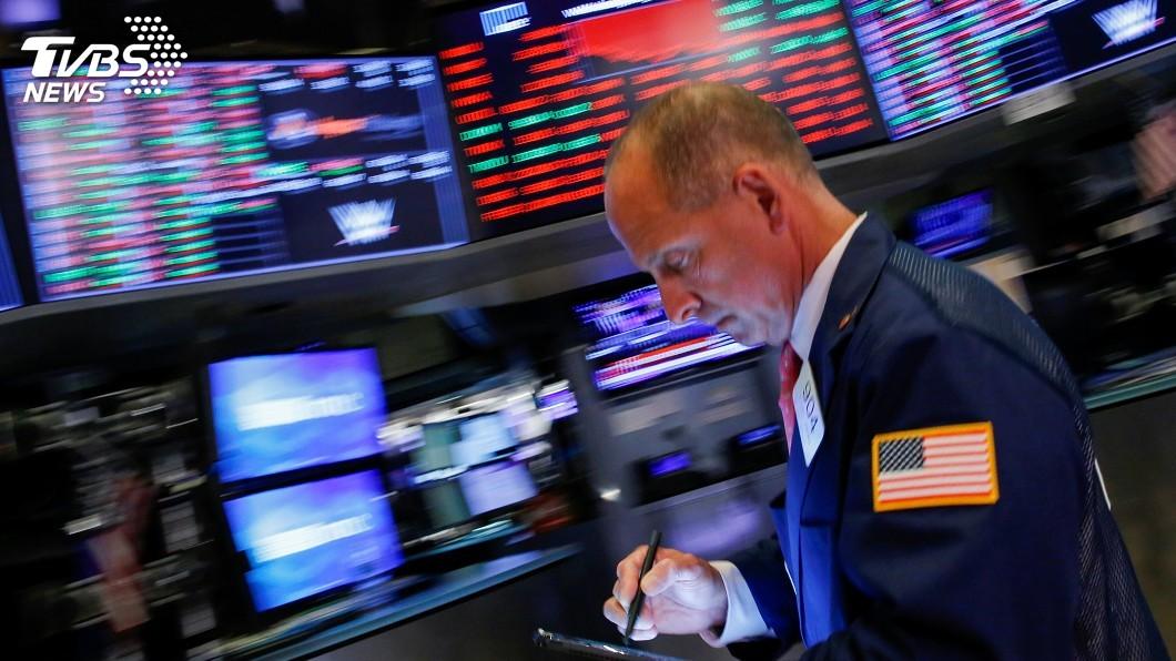 圖/達志影像路透社 債市現經濟衰退凶兆 美股道瓊指數暴跌800點