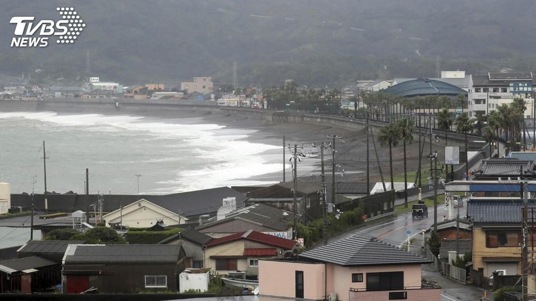 圖/達志影像美聯社 颱風柯羅莎尚未登陸日本已5傷 逾7千人避難