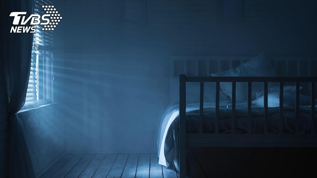 房東打掃房間時驚見白骨。示意圖/TVBS 房東打掃驚見「白骨躺床上」 前房客疑伴母屍1年