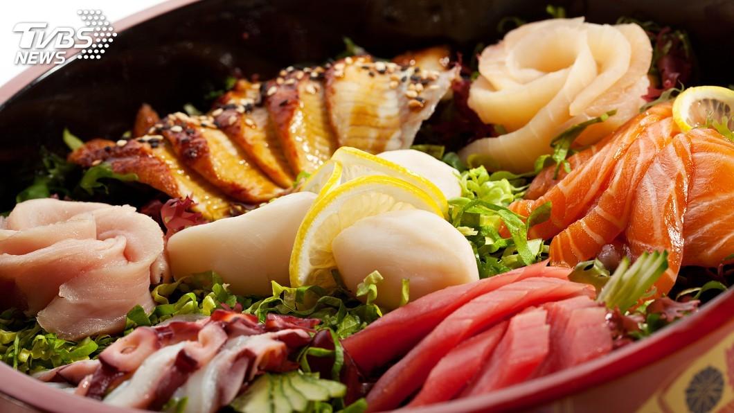 示意圖/TVBS 吃一口生魚丼飯 夏威夷海灘彷彿近在眼前