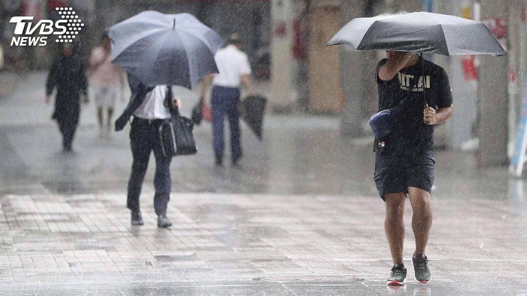 圖/達志影像美聯社 柯羅莎登陸廣島吳市 日58萬人避難撤離