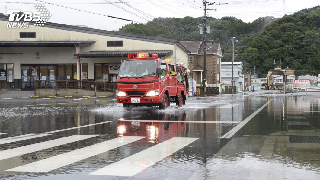 圖/達志影像美聯社 颱風柯羅莎登陸日本廣島 至少1死21傷
