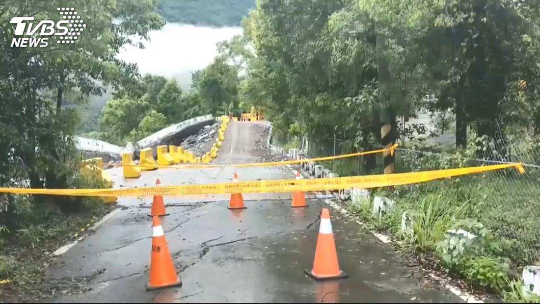 圖/TVBS 豪雨轟炸 高市山區漏夜撤離3566人