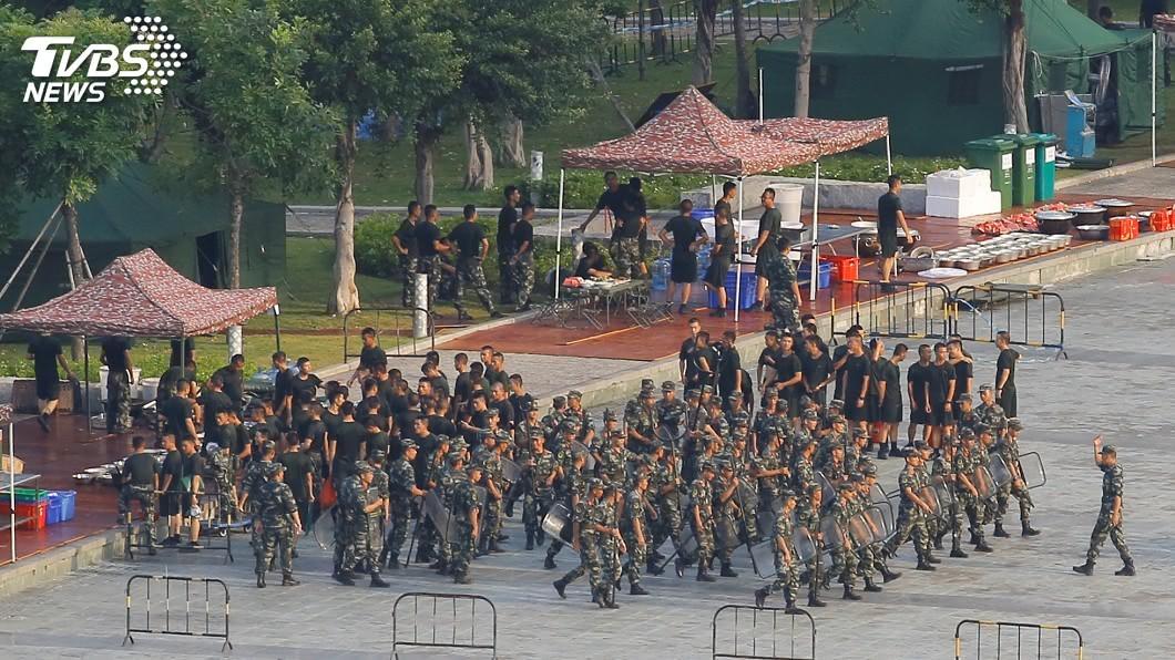 圖/達志影像路透社 「10分鐘可達香港」 外媒拍到解放軍集結深圳