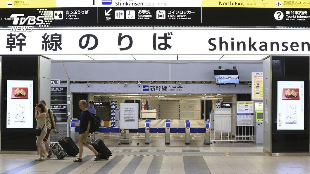 圖/達志影像美聯社 「柯羅莎」橫穿西日本 飛機、新幹線全面停