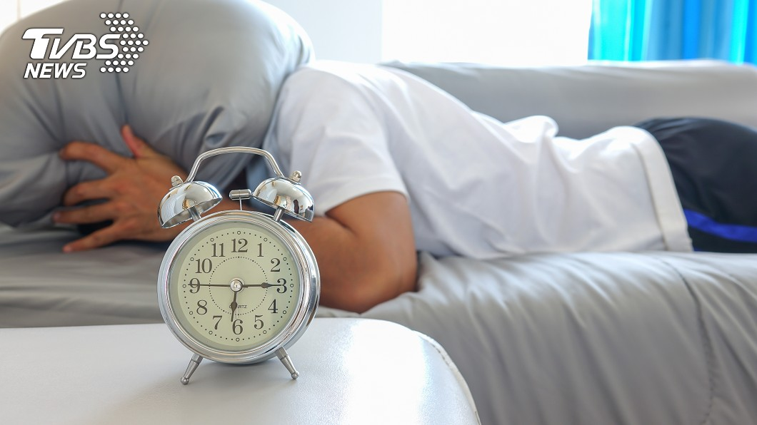 原PO的朋友總是睡過頭。示意圖/TVBS 經營早餐店因「睡過頭」生意更好 他得知真相超震驚