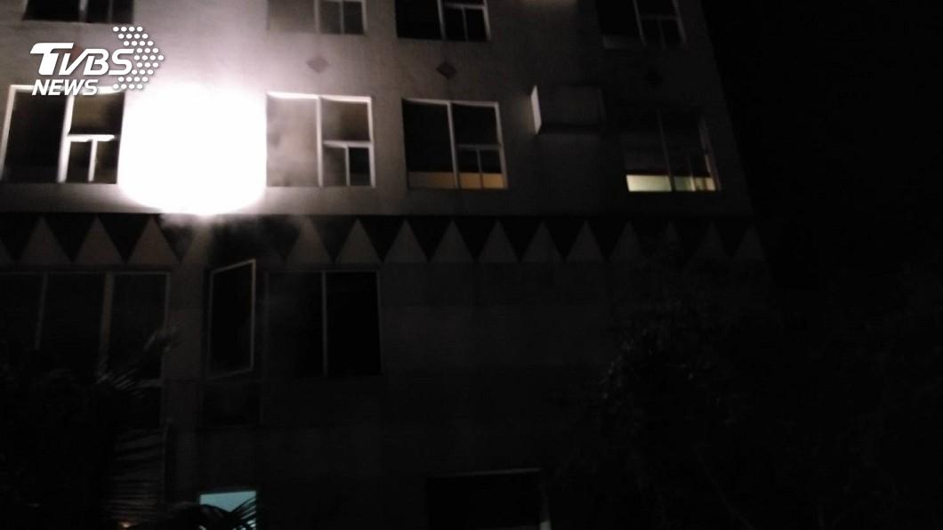 圖/TVBS 快訊/東海岸渡假飯店火警 住客疏散有驚無險
