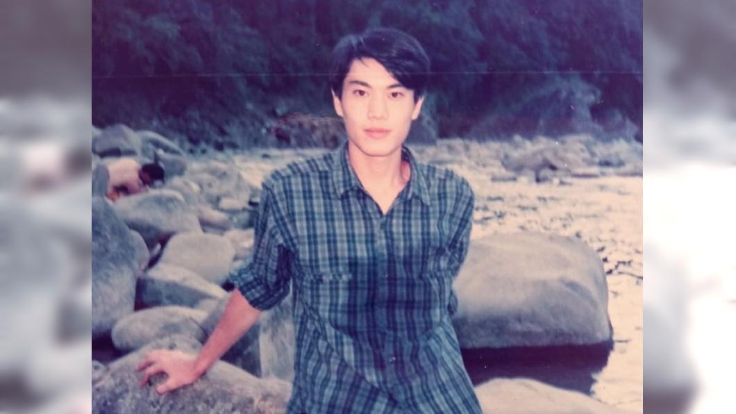 網友大讚林右昌年輕時,長得像日本男星三浦春馬。圖/翻攝貓與邪佞的手指臉書