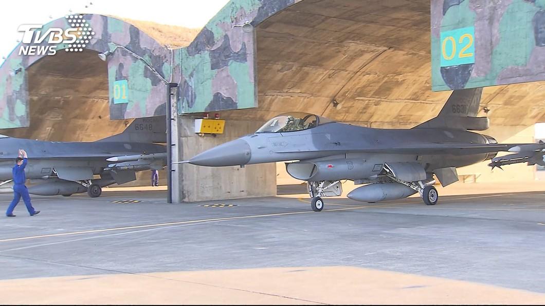 圖/TVBS資料畫面 快訊/美才批准F-16V軍售 登陸艦再通過台海