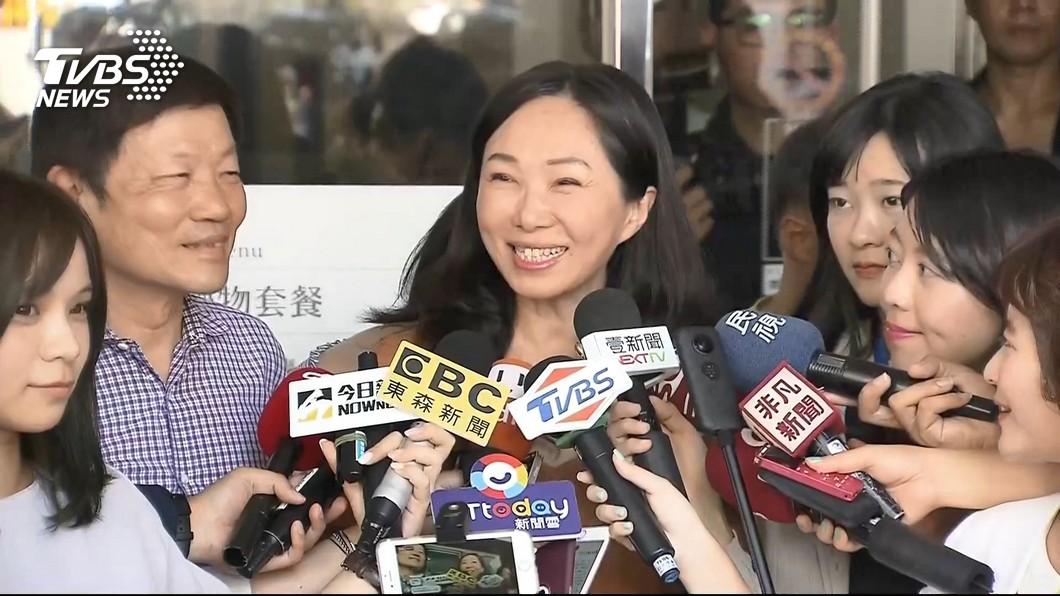 圖/TVBS 被拍到與男友人「十指緊扣」 李佳芬還原現場