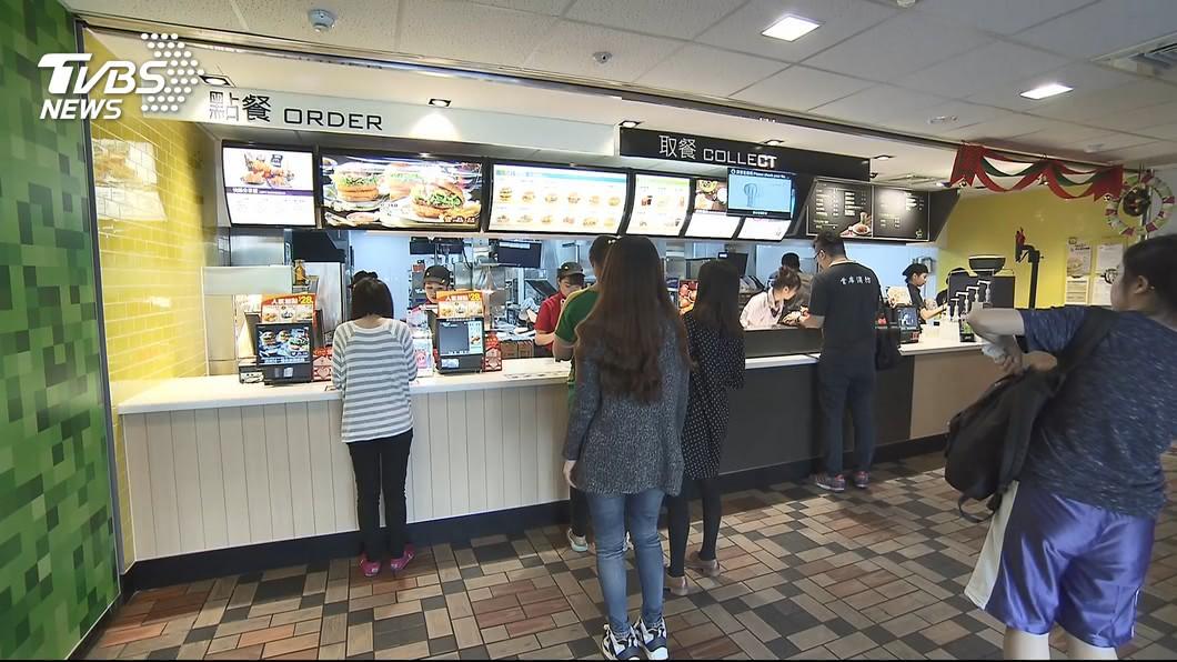 許多民眾常會到麥當勞消費。(示意圖/TVBS) 神人曝「麥當勞點餐法」 百元有找還飽到吐