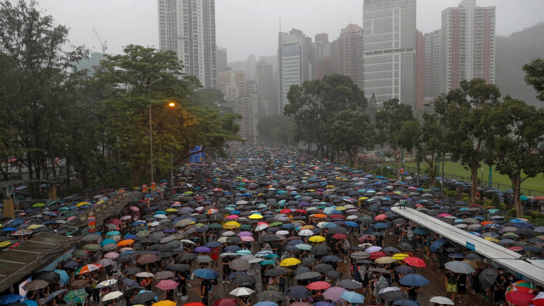 圖/達志影像美聯社 香港818流水式集會 半小時塞爆六座足球場