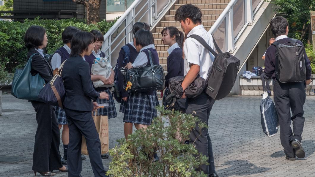 孩子們升上高中後,因面臨考大學的壓力,課業相對也繁重許多。(示意圖/TVBS) 高中哪門課老師過最爽?網狂推「這科」:都被借去上英數