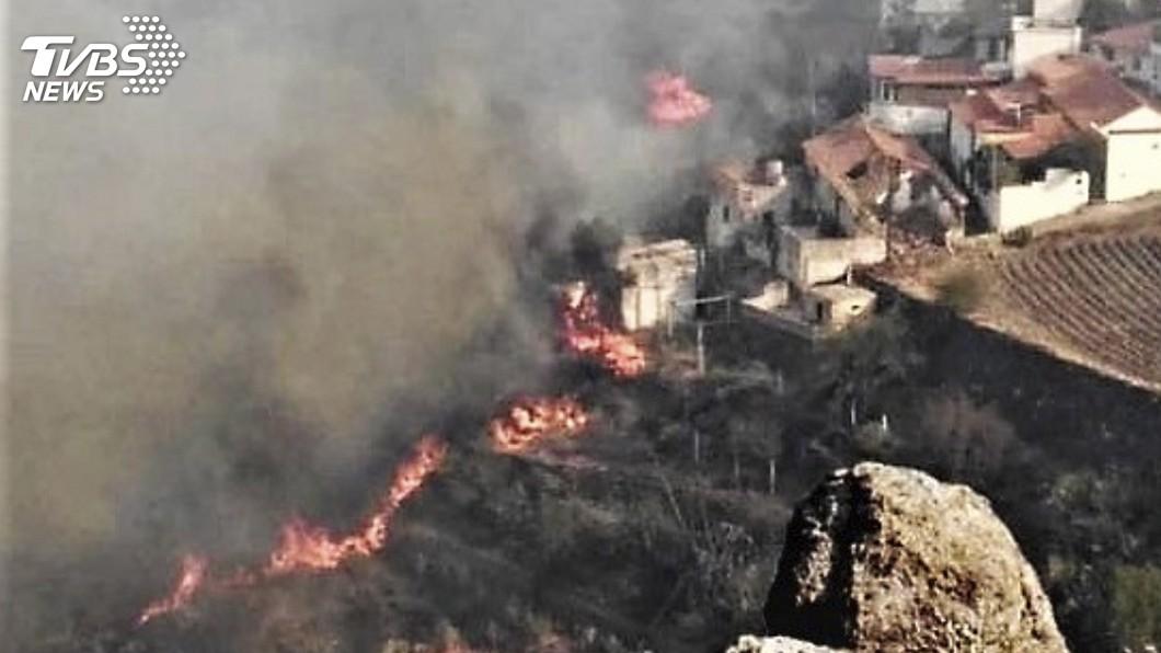 圖/達志影像美聯社 西班牙大加納利島野火減弱 部分民眾將獲准返家