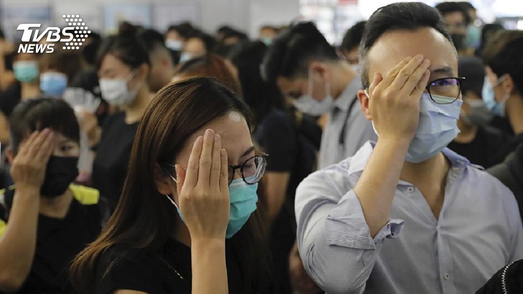 圖/達志影像美聯社 遮右眼自拍挺香港 韓「屍速」演員發起