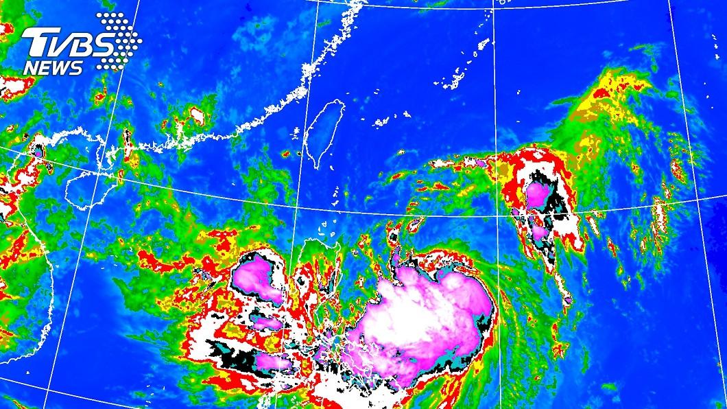 紅外線衛星雲圖 2019/08/22 22:30發布。(圖/中央氣象局) 「白鹿」暴風圈擴大 路線再南偏登陸機會稍變小