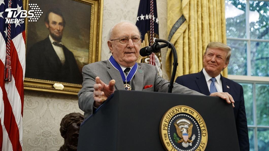圖/達志影像美聯社 獲頒總統自由獎章 NBA傳奇庫西7度造訪白宮