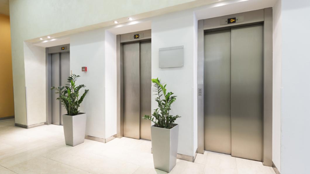 示意圖/TVBS 電梯突故障急速下墜 男遭夾5住戶目睹慘死瞬間