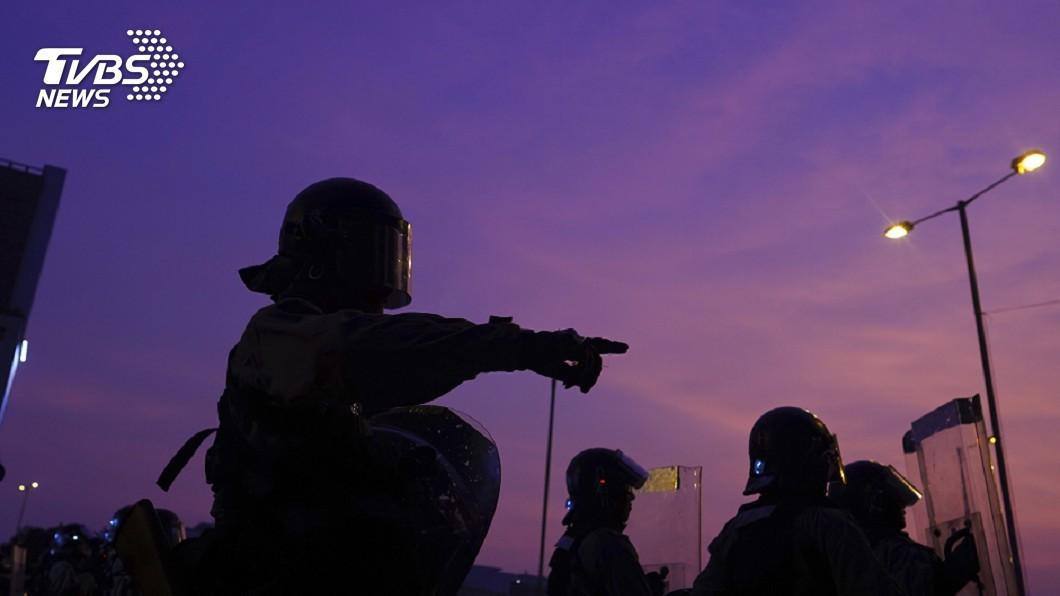 圖/達志影像美聯社 觀塘遊行變調 示威者轉移多地警射彈清場