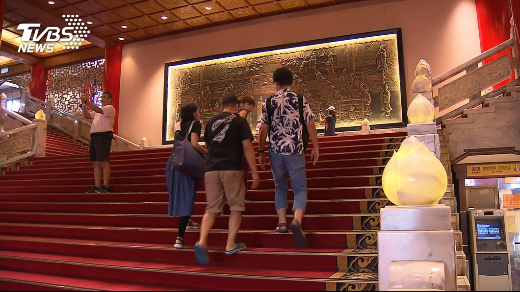 圖/TVBS 飯店拚多角經營! 親子抓周PK密道古物參觀