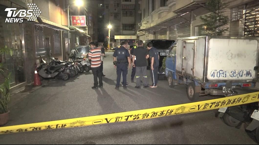 圖/TVBS 淡水凌晨驚傳槍響 民宅疑債務糾紛遭開5槍