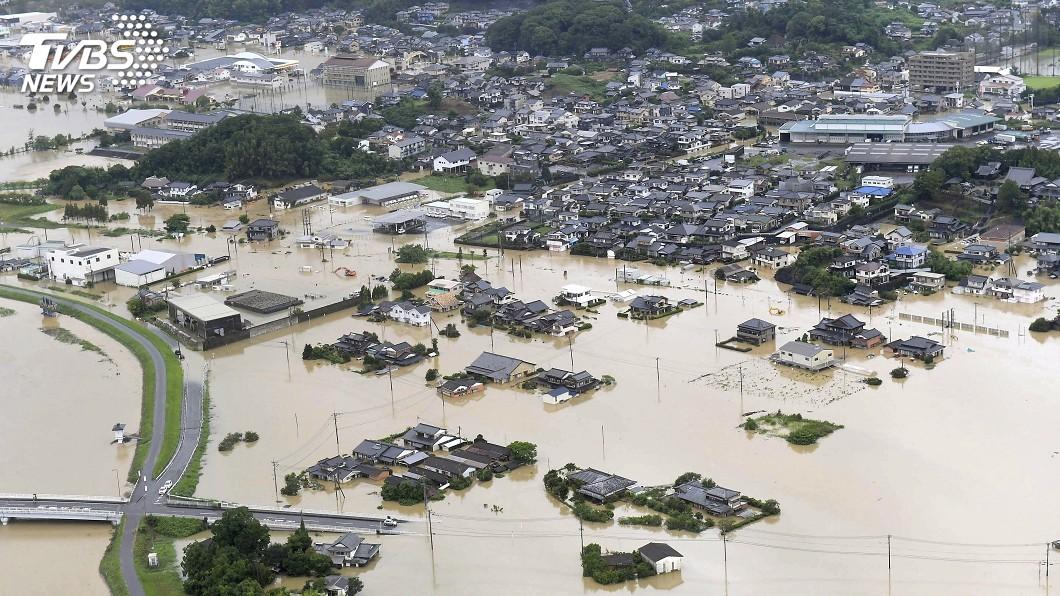 圖/達志影像路透社 日本九州豪雨成災 籲73萬人撤離已知1死
