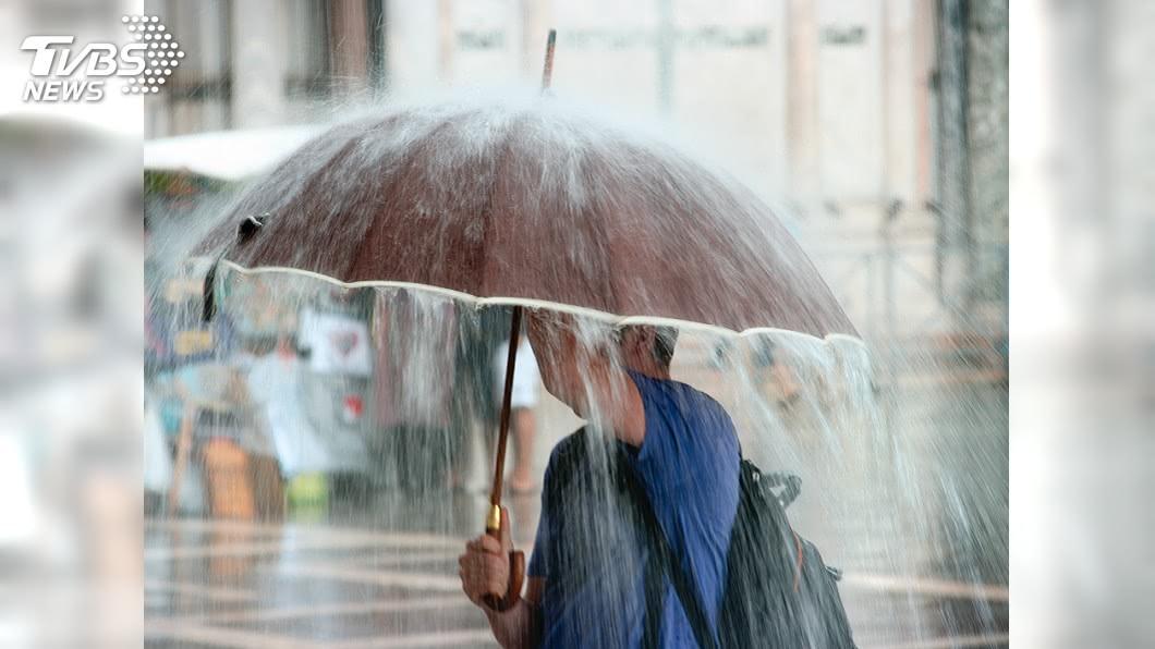 示意圖/TVBS 全台變天!3縣市大雨特報 玲玲颱風最快這天生成