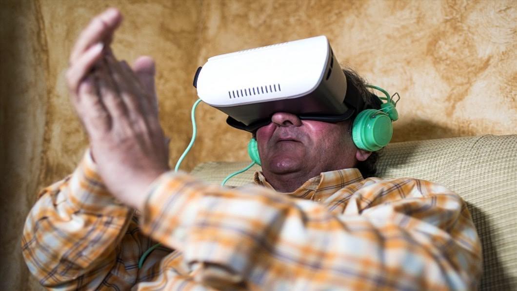 示意圖/達志影像 退化失智無法擋 英國醫研究VR喚醒記憶