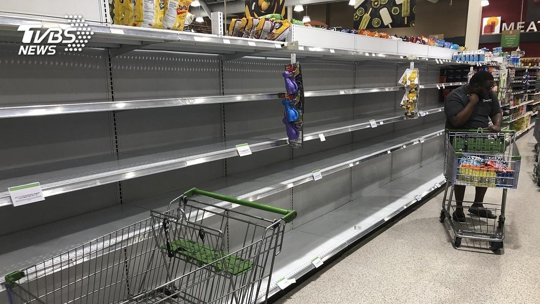 圖/達志影像美聯社 颶風「多利安」逼近 佛州緊急狀態民眾備糧油