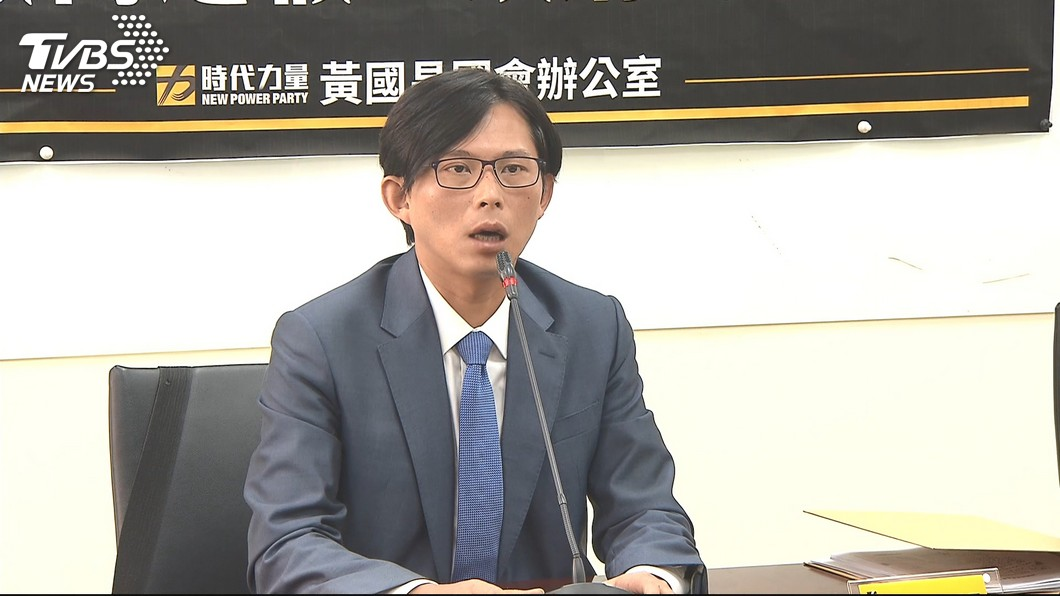 如果時代力推出黃國昌參戰,議員分析會增加韓國瑜當選機率。 圖/TVBS