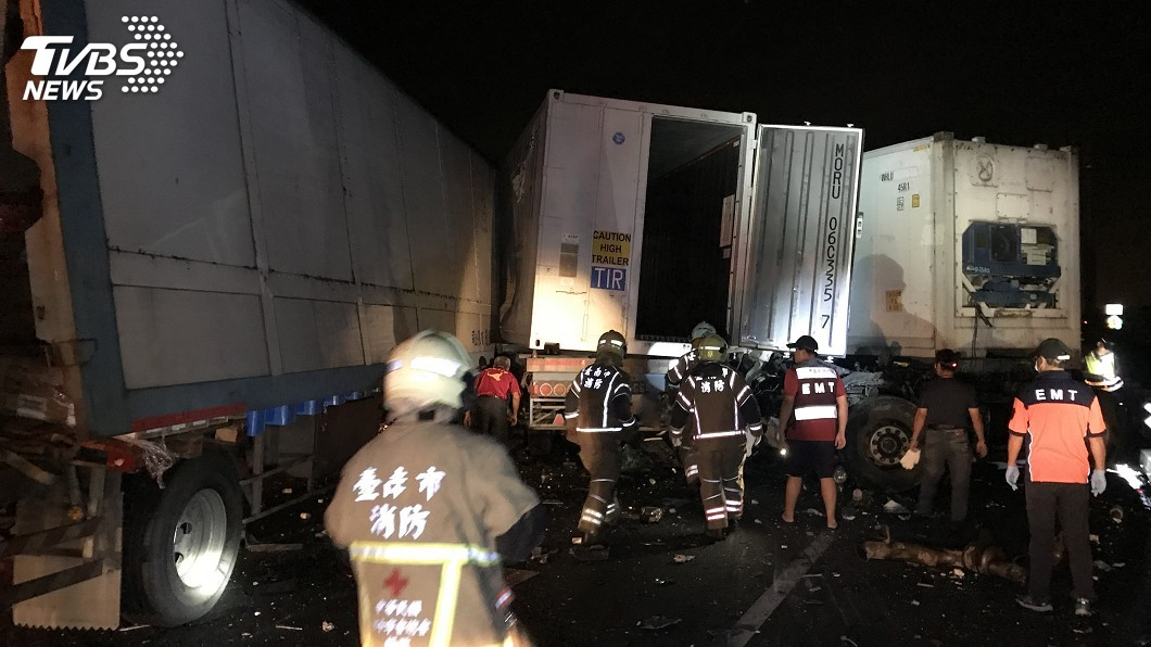 圖/中央社 國道4聯結車追撞釀1死1傷 疑疲勞駕駛惹禍
