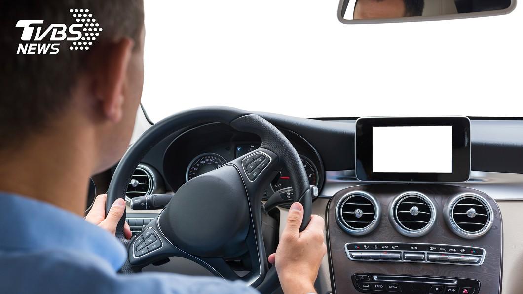 搭別人便車時,你通常會坐哪個位置呢?(示意圖/TVBS) 搭便車應該坐哪?網分享乘車禮儀「這位置」是禮貌