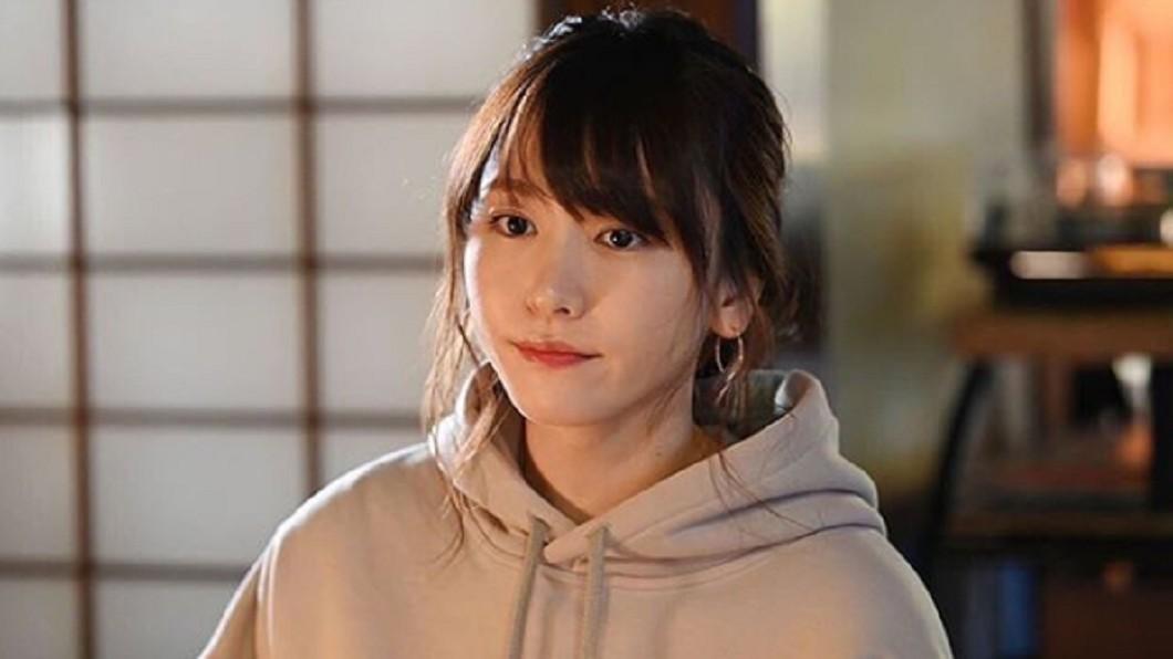 31歲日本女星新垣結衣受到不少粉絲歡迎。 圖/翻攝至新垣結衣臉書 新垣結衣「大媽照」曝光 網友全崩潰