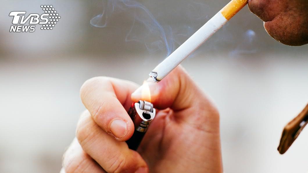 示意圖/TVBS 管委會禁止「自家陽台抽菸」 網2派論戰