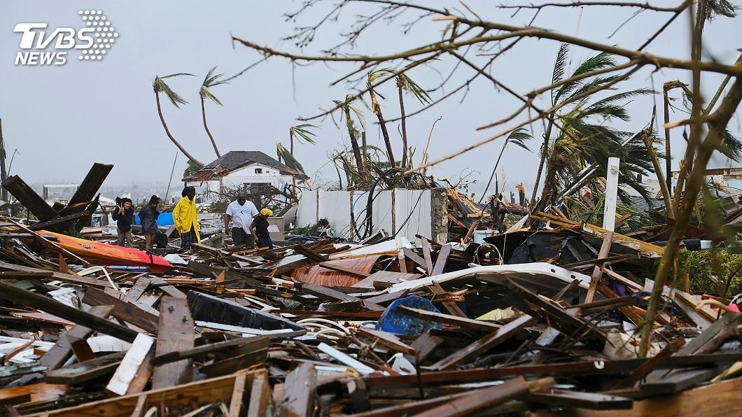 圖/達志影像路透社 多利安襲巴哈馬釀20死 美英直升機救援運物資