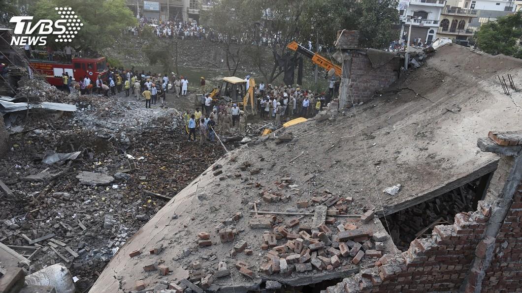 圖/達志影像美聯社 印度北部爆竹工廠爆炸 至少18死16傷