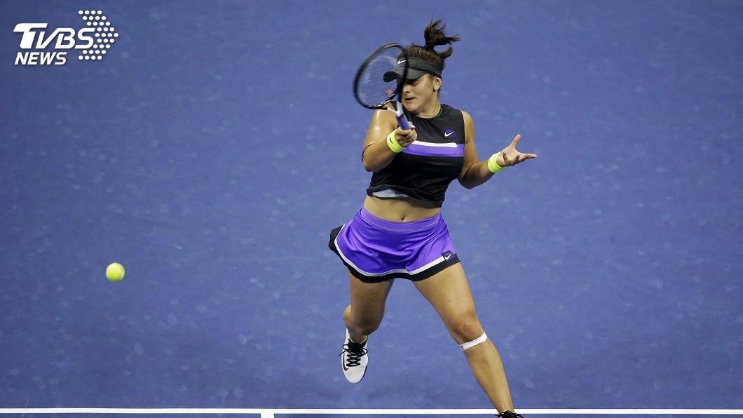圖/達志影像美聯社 新秀安德里斯庫拍落班西琪 美網決賽對陣小威