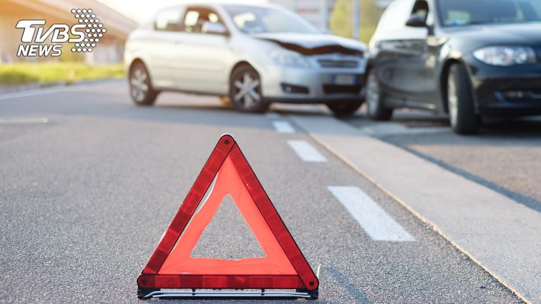 示意圖,非當事人。圖/TVBS 慘戴綠帽!他駕車衝撞老婆「小王」 3人竟都是警察