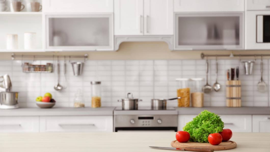 示意圖/TVBS 婆家廚房幾十年未清過 照片曝光網嚇傻:能住人?