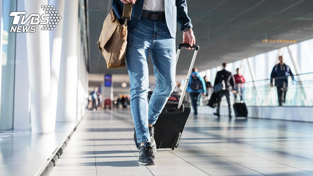 許多人會趁著休假期間安排出國度假。示意圖/TVBS 在機場呷什麼才內行?網友狂推必吃餐廳:真心不騙