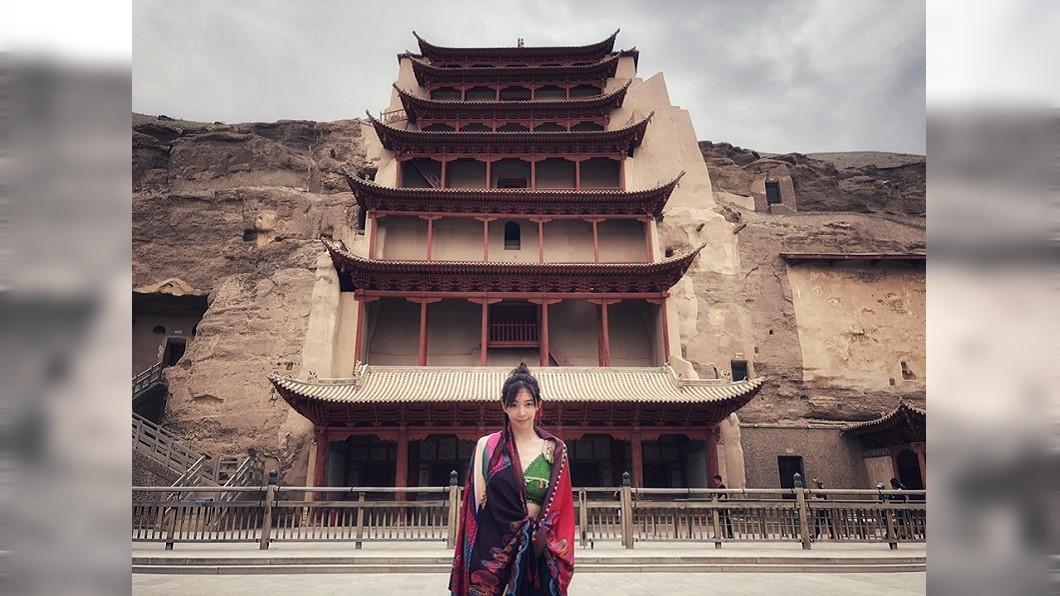 剛抵達敦煌時,王心恬還能美美的拍照。圖/翻攝王心恬CandyWang臉書