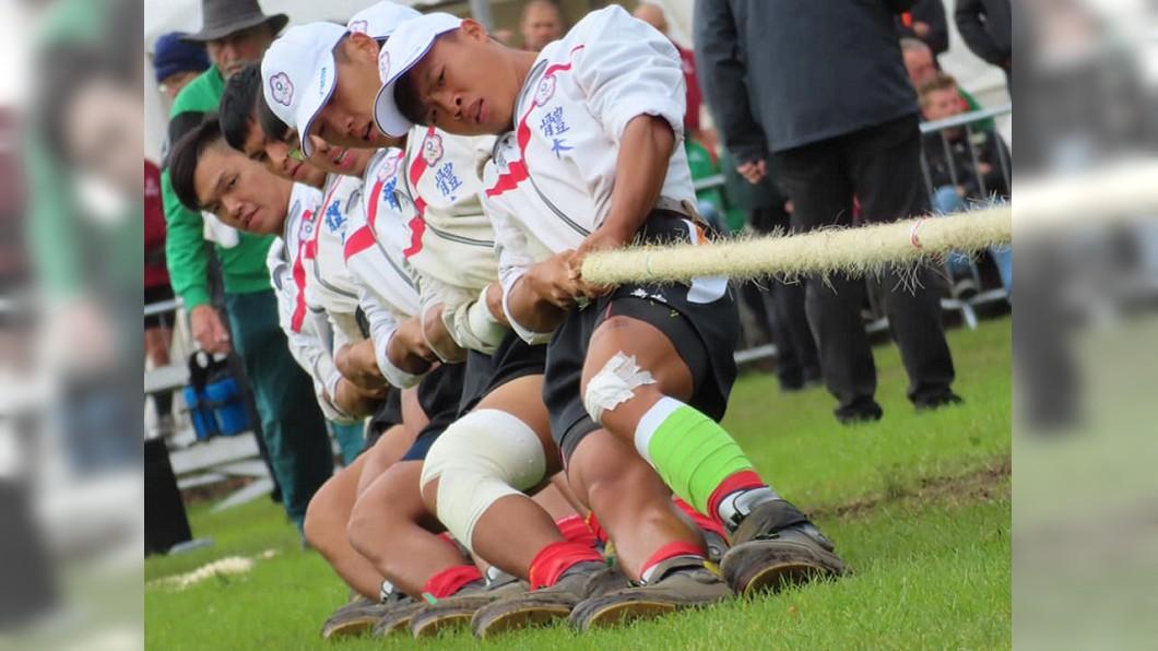 圖/翻攝自中華民國拔河運動協會臉書 拔河賽世青600公斤組中華隊鍍銅 史上第一面