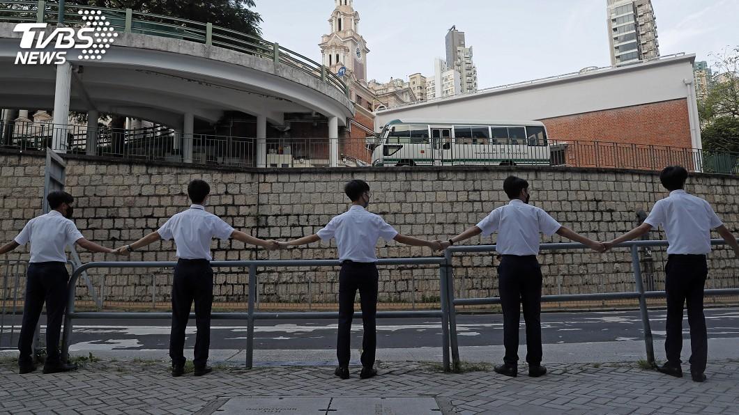 圖/達志影像美聯社 香港學生組人鏈行動表達決心 3人遇襲受傷