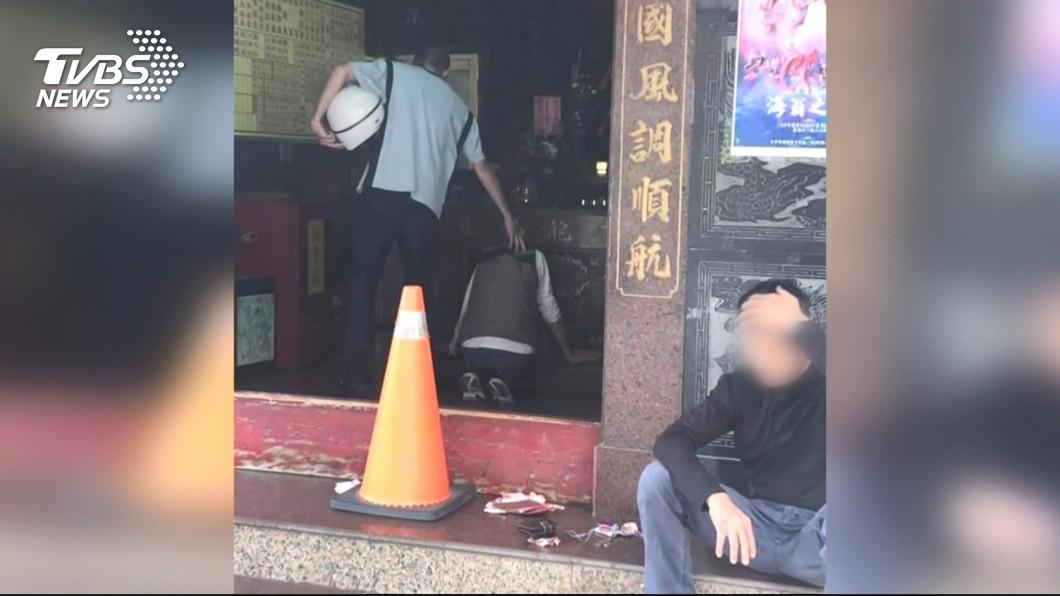 台中市2名張姓男子日前一起偷香油錢,沒想事後同車發生車禍,2男先後喪命。(圖/TVBS) 恐怖巧合!2男結夥偷香油錢 同車出車禍先後赴黃泉